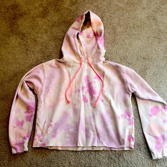Wild Fabe tie dye cropped hoodie